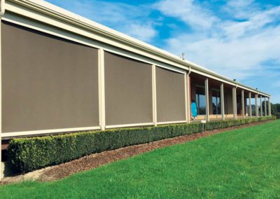 outdoor-roller-blinds